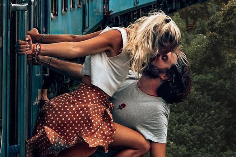 Viral Foto Berbahaya di Kereta, Akhirnya Pasangan Ini Tanggapi Hujatan Netizen | Keepo.me