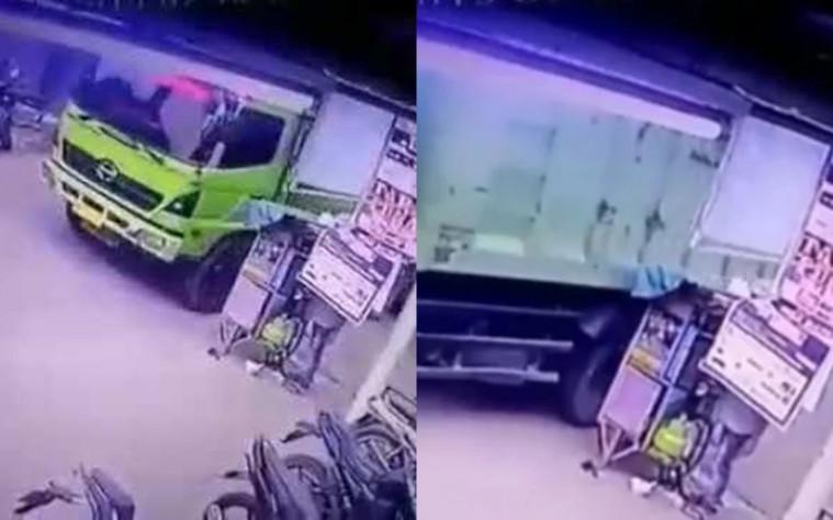 Berdagang di Pinggir Jalan, Gerobak Pria Ini Rusak Disenggol Truk. Siapa yang Salah? | Keepo.me