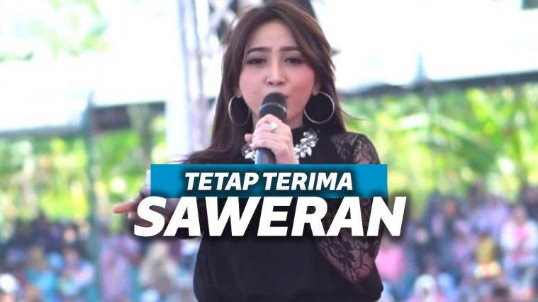 Banting Stir Jadi Kades, Penyanyi Dangdut Ini Akui Tetap Terima Saweran Saat Manggung | Keepo.me