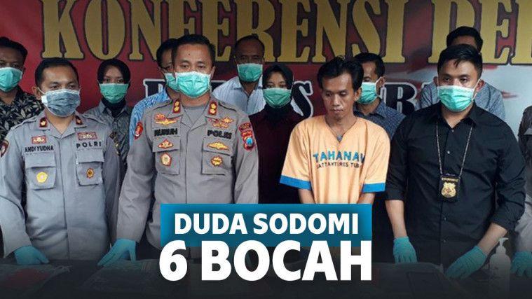 Duda di Tuban 'Bangga' Sodomi 6 Bocah, Pelaku Cetak Banner Para Korban dan Ditempel di Kamar | Keepo.me