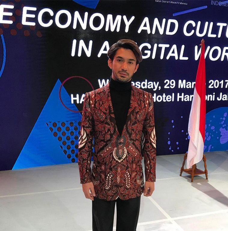 baju batik reza rahadian