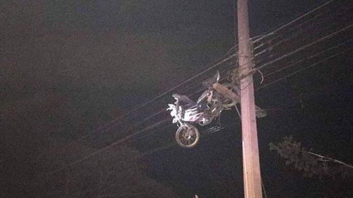 Kecelakaan maut hingga motor terpental
