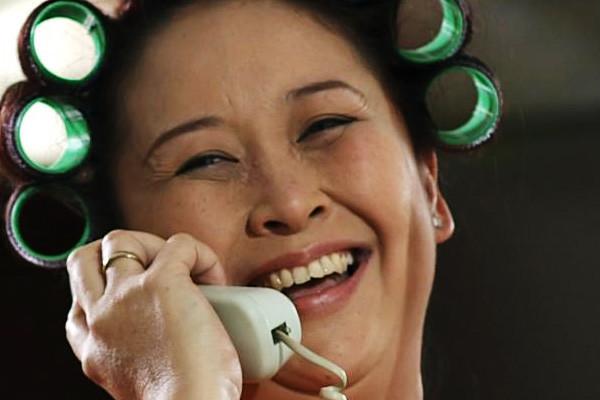 film Indonesia <a href='https://uzone.id/tag/ibu' alt='ibu' title='ibu'>ibu</a> dan <a href='https://uzone.id/tag/anak' alt='anak' title='anak'>anak</a> Mother Keder: Emakku Ajaib Bener (2012)
