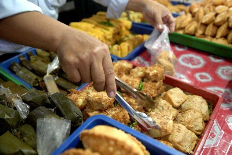 Angka makanan yang terbuang meningkat dari 15.000 ton menjadi 20.000 to per minggu.