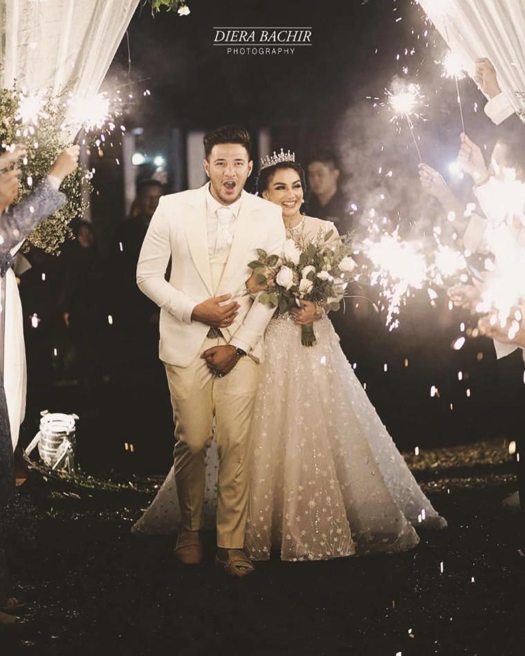 pernikahan irish bella