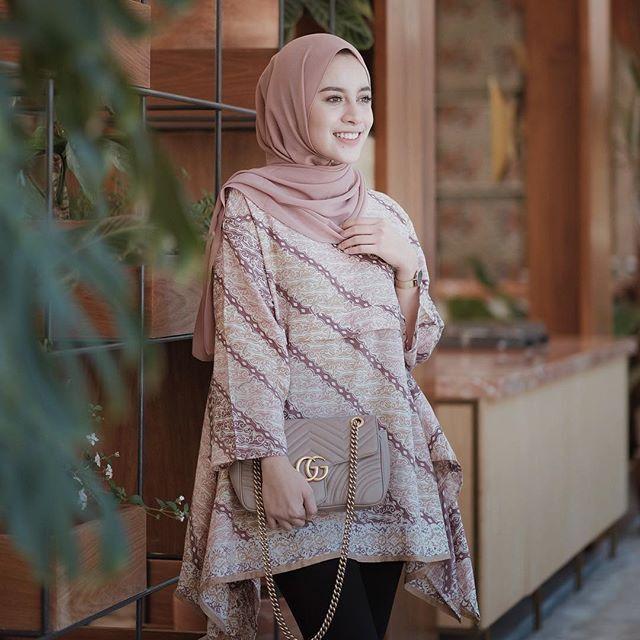 Model Baju Batik Buat Pria Dan Wanita Untuk Segala Acara