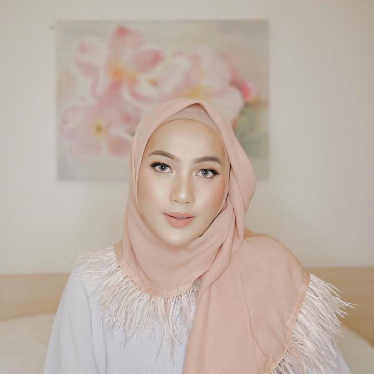 Tutorial Hijab Pesta Anti Ribet Lima Menit Jadi