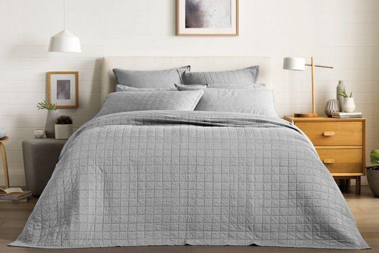 main list image a235a4fe 9599 4696 8479 9747dc697370 13 - Tips Memilih Bahan Seprai dan Bed Cover Berkualitas