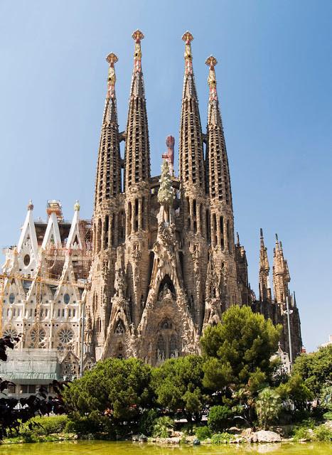 Katedral Sagrada Familia
