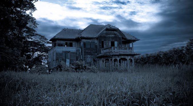Hantu Dompe, Terbang di Atas Genting RumahMencari Mangsa!