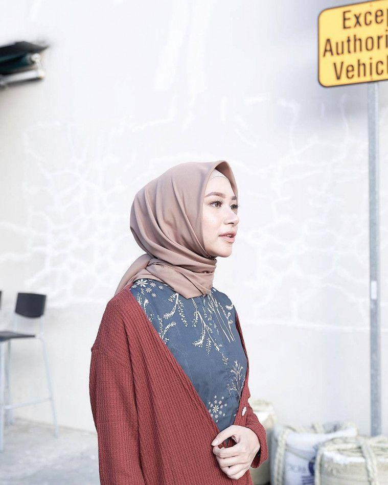 turorial hijab segi empat selebgram