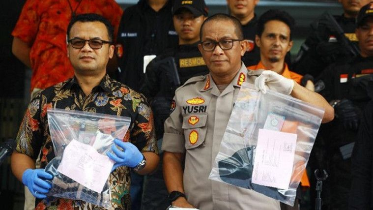 Image result for Polisi Pamerkan Tatto Wanita Seksi di Lengan Habib Husein Alatas!