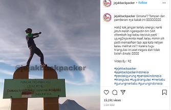 Viral pria joget di tugu Gunung Merbabu